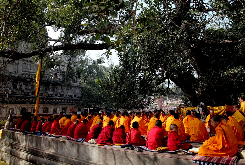 41-monks_gather_for_annual_prayers_at_the_mahabodhi_temple-1